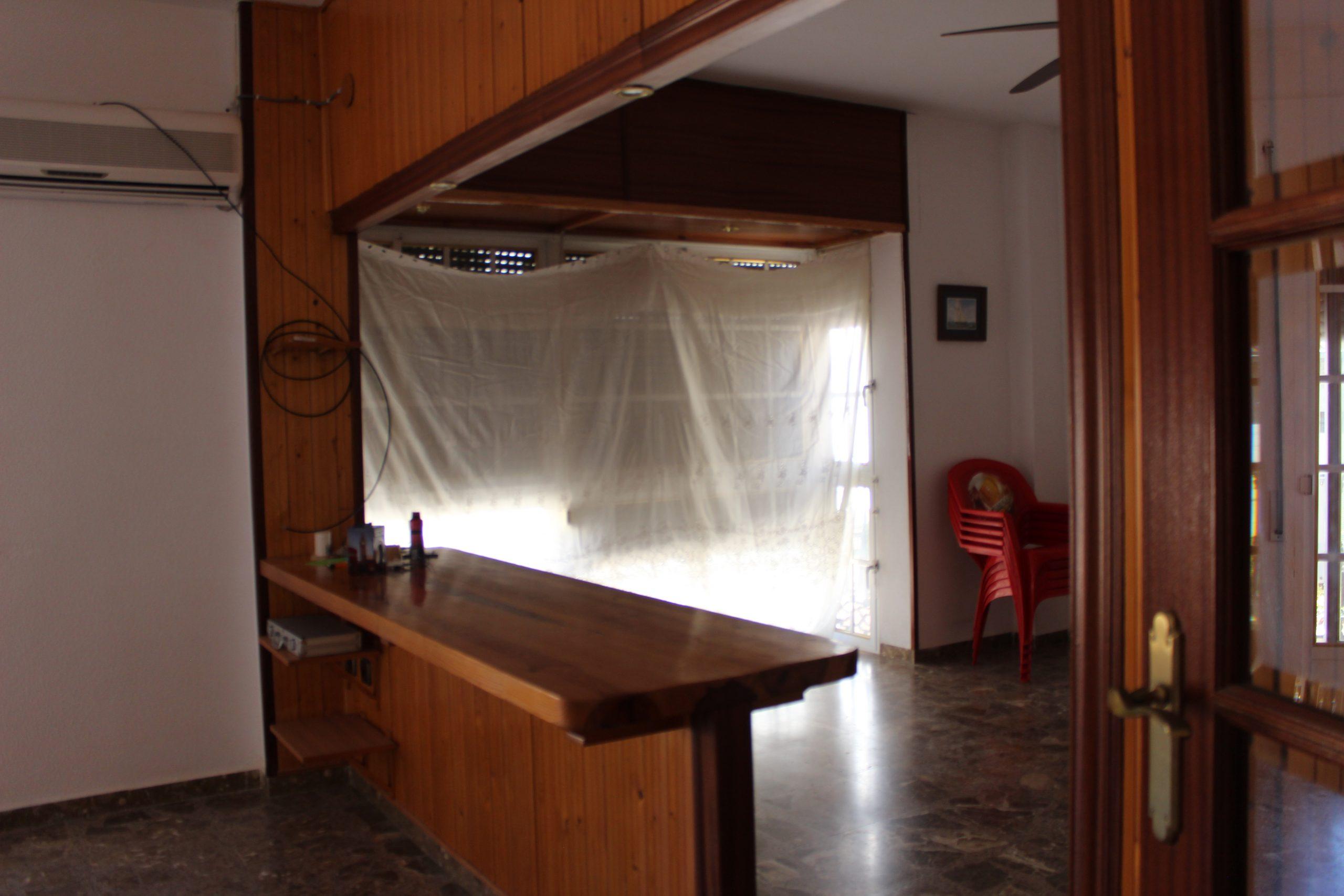 GRAN PISO EN EL CENTRO DEL PUEBLO